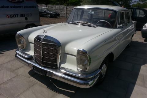 Metamorfoza wnętrza W111 Mercedes